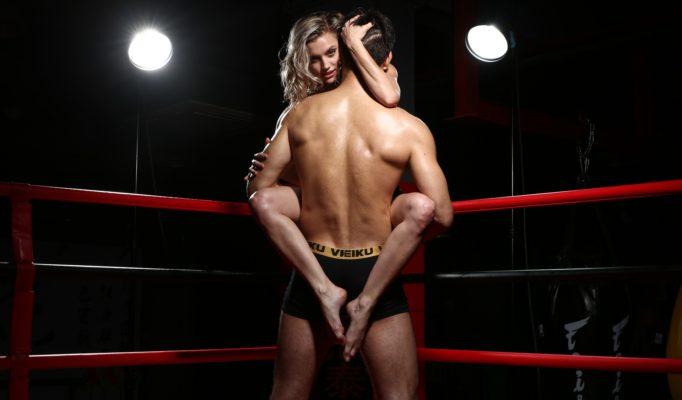 Мужчины предпочитают опытных девушек?